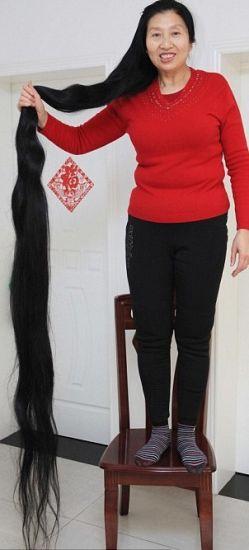 Donna con i capelli più lunghi