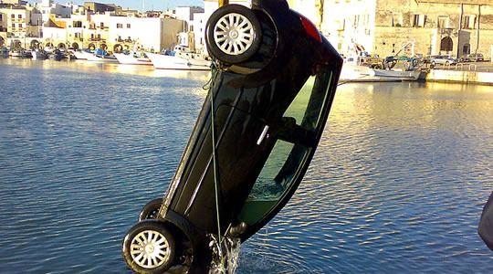 Esame di Guida - Auto in mare