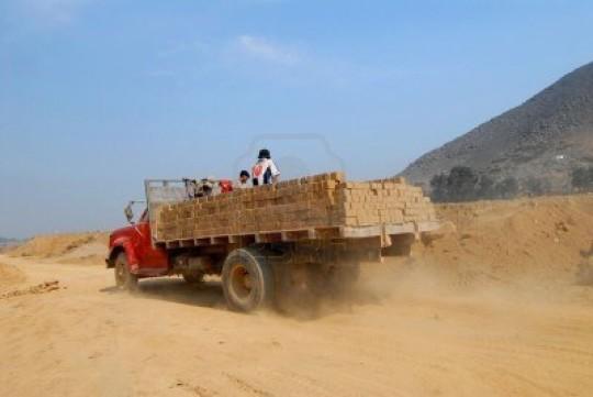Camion mattoni