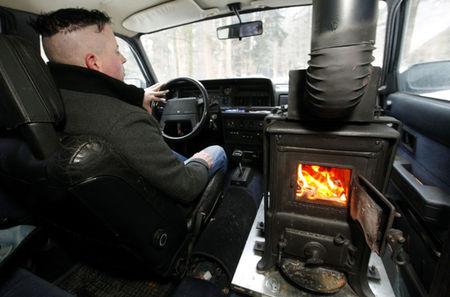 Stufa a legna in auto