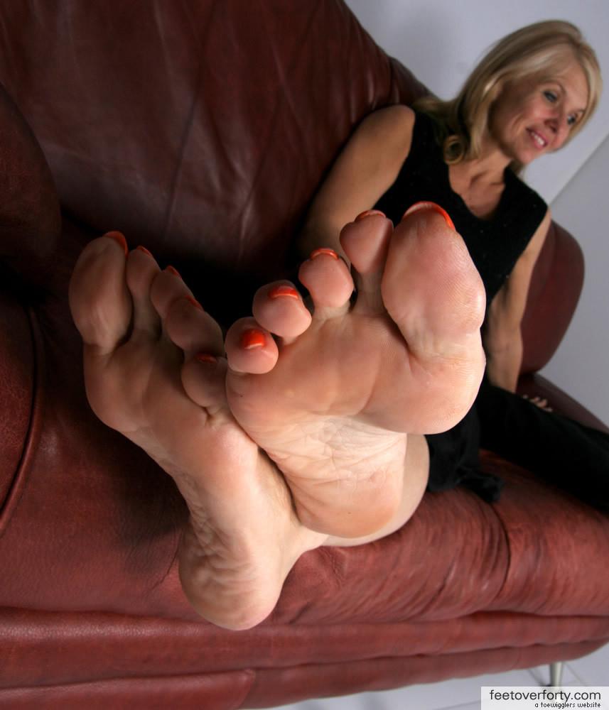 Mature Blonde Feet