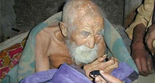 Un calzolaio dice di avere 179 anni: ''La morte si è dimenticata di me''