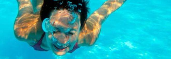 Bagno in mare dopo mangiato i medici 39 39 si pu 39 39 ecco le - Andare in bagno dopo mangiato ...