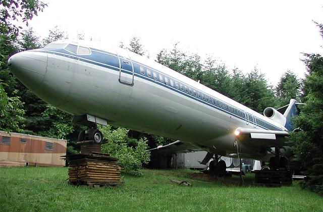 Uomo abita Boeing 727