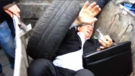 ucraina-parlamentare-cassonetto