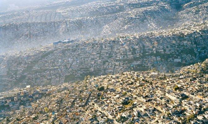 Questa vista di Città del Messico che ha 20 milioni di abitanti