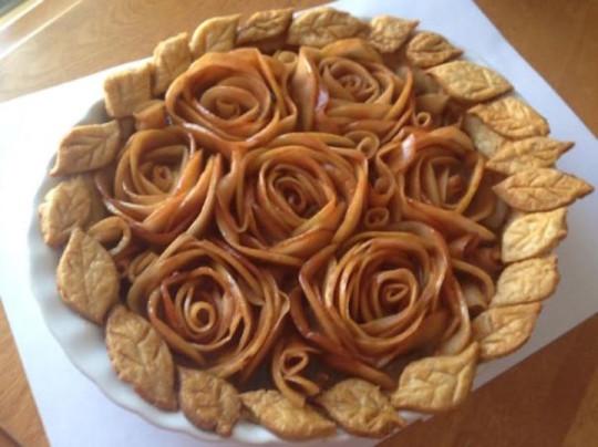 1) Torta di rose con le mele
