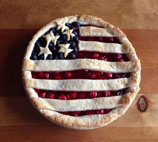 12) Torta con bandiera americana