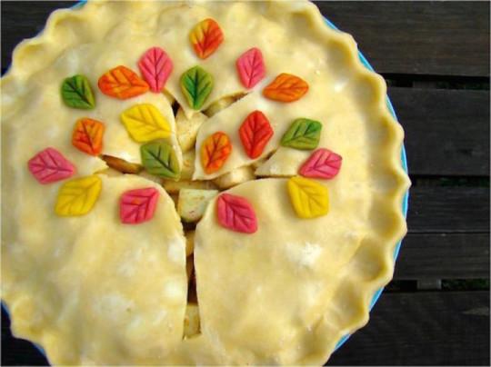 19) Torta con l'albero colorato