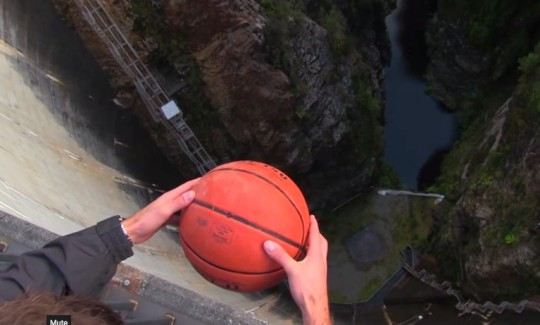 Pallone nel vuoto